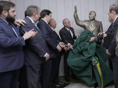 Câmara homenageia os 103 anos de Ulysses Guimarães e sua luta pela democracia