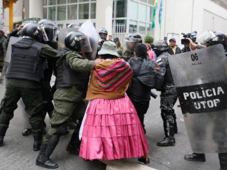 Linera: golpe fascista e ódio ao índio na Bolívia