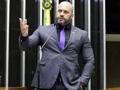 """Deputado defende morte de negros por policiais: """"tem mais negros no crime"""""""
