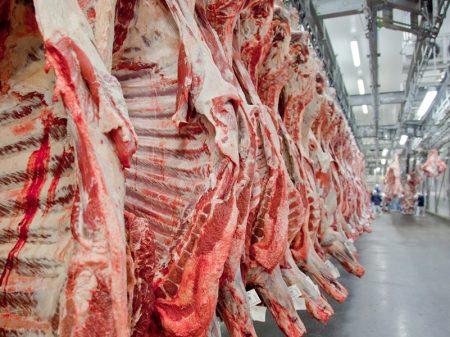 Sem regular exportações,  preço da carne explode