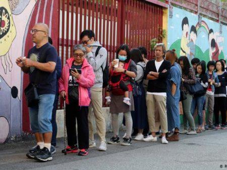 """Hong Kong: oposição admite que """"vitória por 60% a 40% é o de sempre"""""""