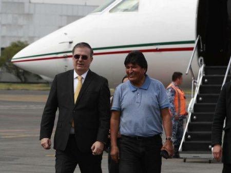 Evo recebe boas-vindas no   México após 'odisseia diplomática'