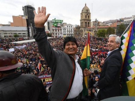 Evo convoca defesa da democracia contra tentativa de golpe fascista