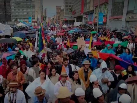 Colômbia faz greve geral contra redução de salários e fim da previdência pública