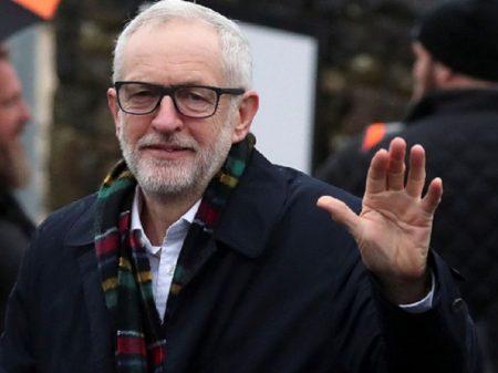 Rabino inglês insulta líder trabalhista Corbyn de  'antissemita'