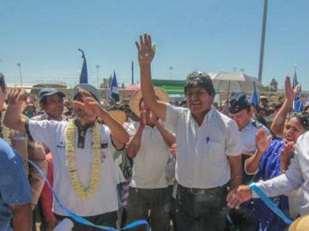 Evo e movimentos sociais convocam bolivianos a derrotarem tentativa de golpe de Estado