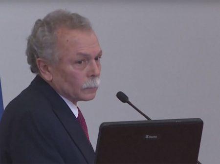 """Ricardo Galvão diz que o governo é a """"soberba embasada na ignorância profunda"""""""