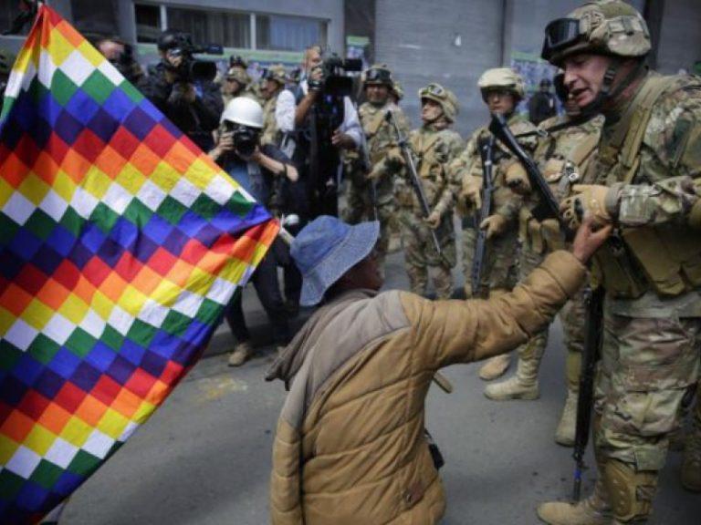 Setores militares juntam-se a protestos contra o golpe na Bolívia