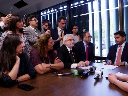Oposição aciona Conselho de Ética contra Eduardo Bolsonaro