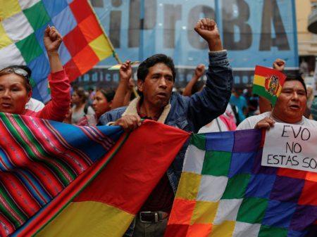 """Multidão marcha em El Alto contra o golpe na Bolívia: """"Fora Camacho!"""""""
