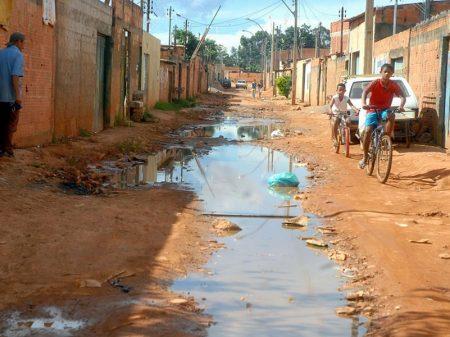 Extrema pobreza atinge 13,5 milhões de brasileiros