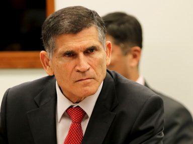 """General Santos Cruz repele o """"extremismo irracional"""" do governo Bolsonaro"""
