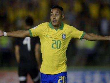 Com todos jogando no país, garotada do Brasil conquista o tetra mundial Sub-17
