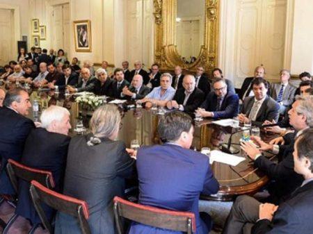 Ato pró desenvolvimento une governo, trabalhadores e empresários argentinos
