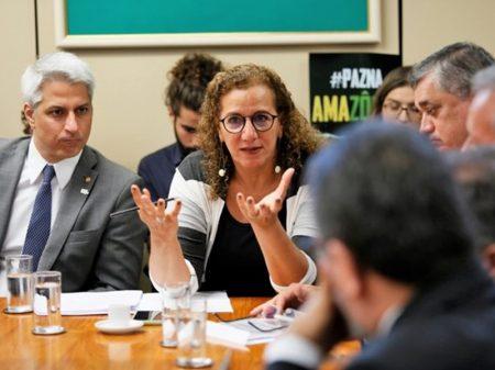 """Oposição condena projeto de privatização do saneamento:  """"água não é mercadoria!"""""""