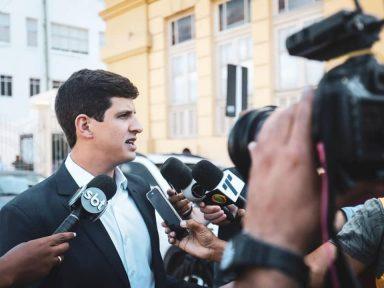 Emenda de João Campos barra corte de verbas da Embrapa, Fiocruz, Ipea, IBGE e FNDCT