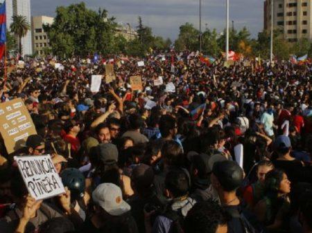 """""""Sem justiça social não há acordo"""", afirmam lideranças chilenas"""