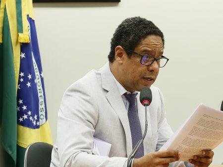 Com recuo de Bolsonaro, PDL de Orlando quer cessar já efeitos da exclusão dos MEIs