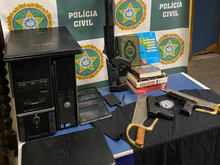 Terrorista que atacou o grupo Porta dos Fundos está foragido e é filiado ao PSL