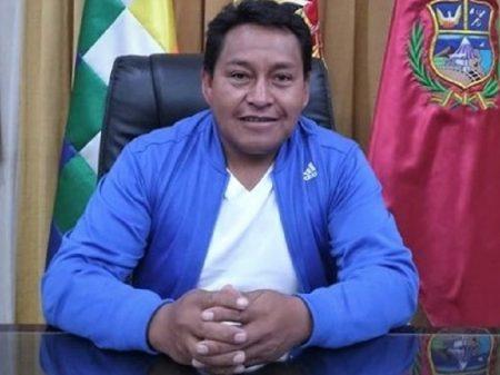 """Governador de Oruro: """"a Bolívia derrotará o crime e a submissão ao império"""""""