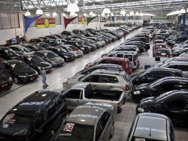 Produção de veículos desaba 21,2% em novembro