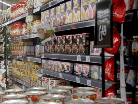 Venda do comércio varejista varia 0,1% em outubro