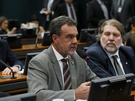 Líder do PCdoB denuncia que PL da privatização da água elevará as tarifas