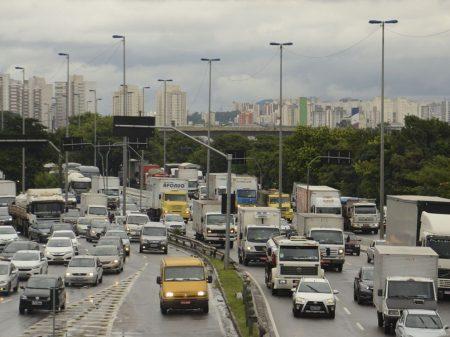Relator recusa propostas de Bolsonaro sobre novas regras de trânsito