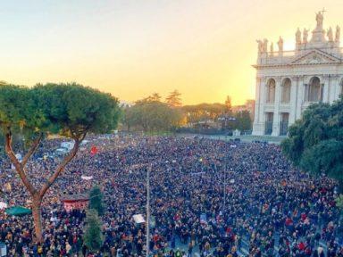 Roma: multidão defende democracia e repudia o fascista Salvini