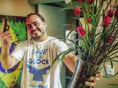 """""""Carlos é uma pessoa perturbada"""", diz empresário que cedeu casa a Bolsonaro"""
