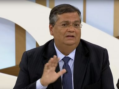 """Flávio Dino diz que acusação a Gleen é """"mais um terraplanismo jurídico"""""""