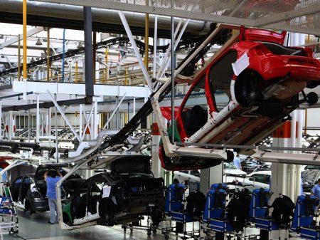 Produção de veículos desaba no final de 2019