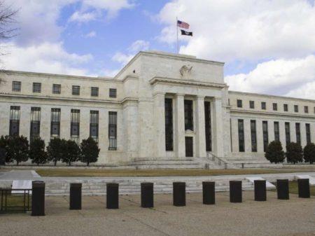 Casa Branca ameaça confiscar US$ 35 bilhões das reservas do Iraque no Fed