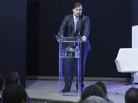 """""""É uma ameaça à liberdade de imprensa"""", critica Maia a denúncia contra Greenwald"""