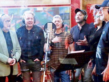 Músicos chilenos e argentinos fazem tributo ao levante popular no Chile