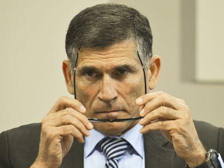 """""""Bolsonaro se afastou do combate à corrupção"""", diz General Santos Cruz"""