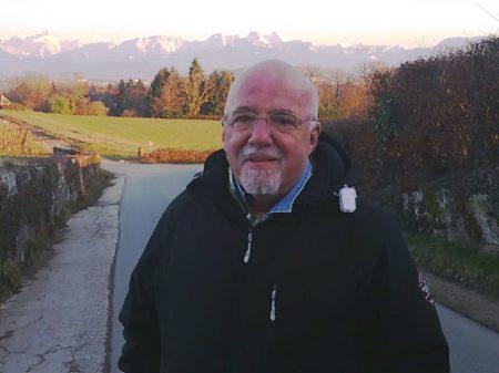 """Paulo Coelho: """"ideia imbecil chamar o general assassinado de terrorista"""""""