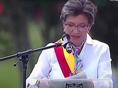 Claudia López, 1ª prefeita de Bogotá, defende na posse mais educação e emprego