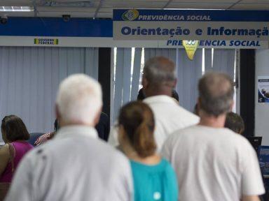 Política de privatização da Previdência provoca caos no INSS