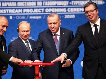 Putin e Erdogan inauguram  gasoduto turco-russo em Istambul