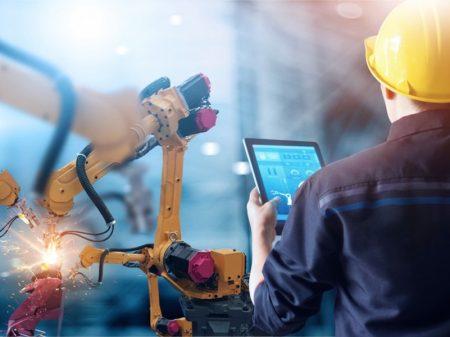 Investimentos em máquinas caem 4%, diz Ipea