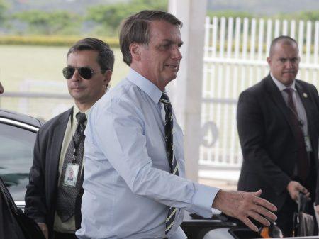 """Por Wajngarten, Bolsonaro volta a agredir repórter: """"está falando da tua mãe?"""""""