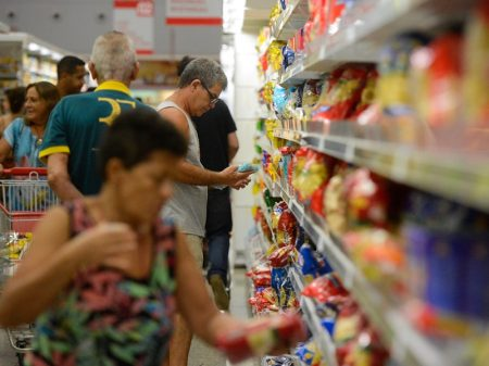 SP: cesta básica é mais que o dobro da inflação