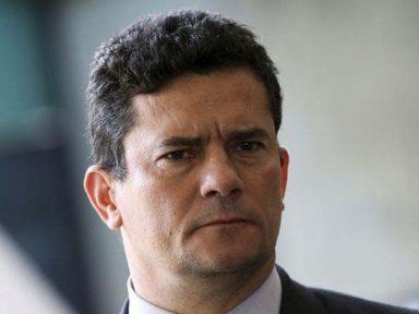 Bolsonaro fala em esvaziar pasta de Moro recriando Ministério da Segurança