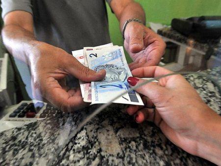 Endividamento das famílias bate recorde