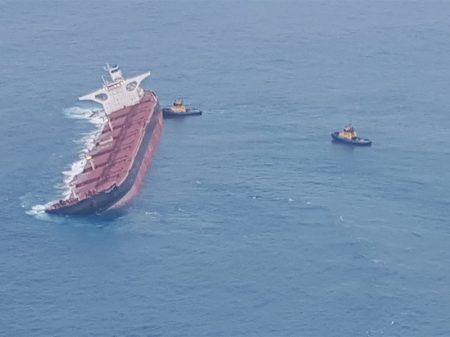 Ibama detecta mancha de óleo que vazou do navio de minérios da Vale
