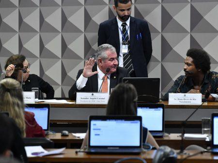 Eduardo Bolsonaro ataca a honra de jornalista da Folha