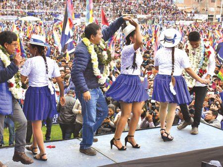 Bolívia: Arce diz no comício em Sacaba que fará justiça às vítimas do massacre