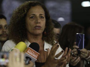 Deputada é impedida de entrar na sede da Petrobrás e condena repressão a grevistas