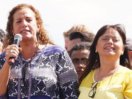 PECs de Bolsonaro e Guedes destroem serviços públicos, alertam deputadas e MPF
